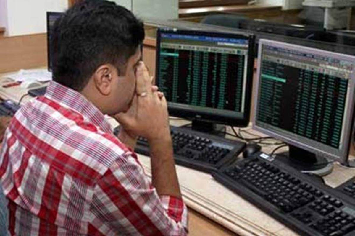Lakshmi Vilas Bank shares slip 5% on opening as shareholders reject re-appointment of directors