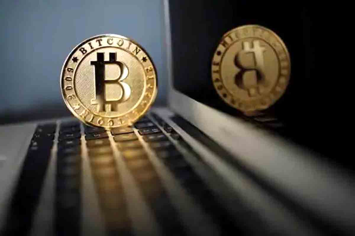 Bitcoin tanks 14% in 24 hours, falls below $40,000 mark as sell-off continues